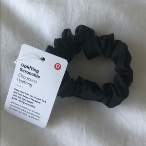 Lululemon Uplifting Scrunchie black